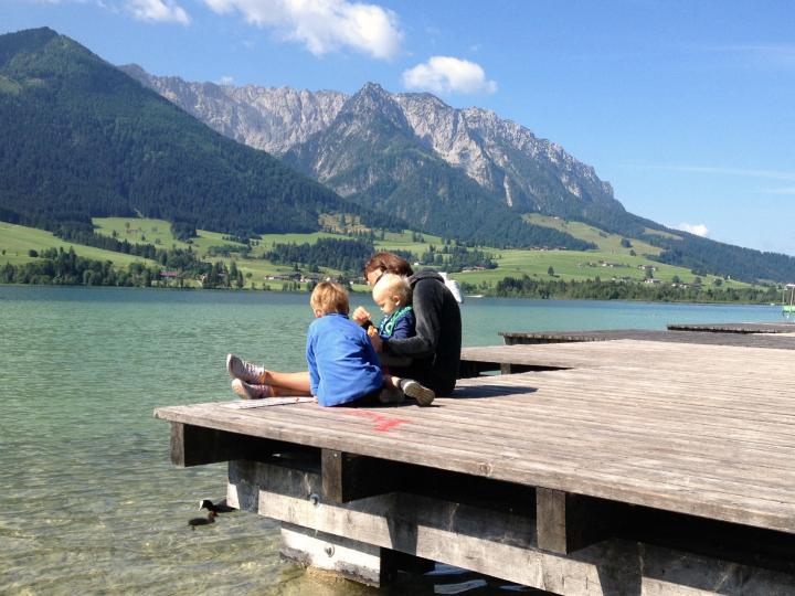 Vandring i Østrig. Børnefamilie. Små børn. Alle Ud
