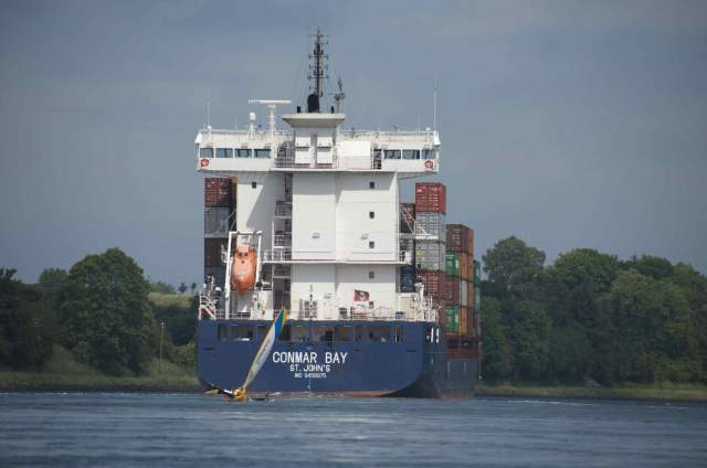 Et af de store containerskibe. Magen til de skibe, familien skulle forbi, da de ulovligt krydsede havnen i Antwerpen