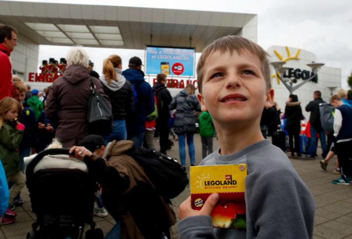 Legoland. Turens højdepunkt for 8 årige Morgan, som har været LEGO-fan hele sit liv