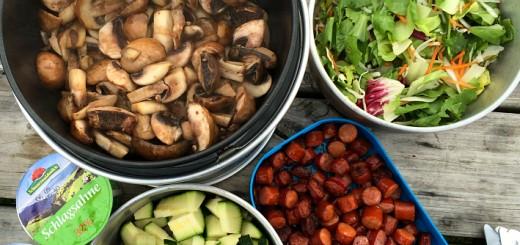 Turmad - Flødesauce med svampe og pølser