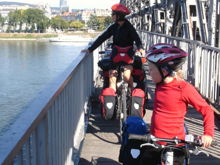 Børn Cykeltur Donau bro over Donau - Alle Ud
