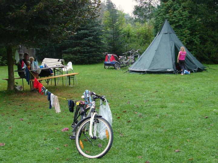 Cykeltur med små børn. Lavoo familietelt