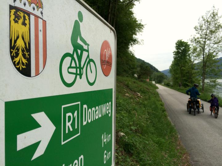 Skiltningen er tydelig og nem at følge - hele vejen fra Passau til Wien