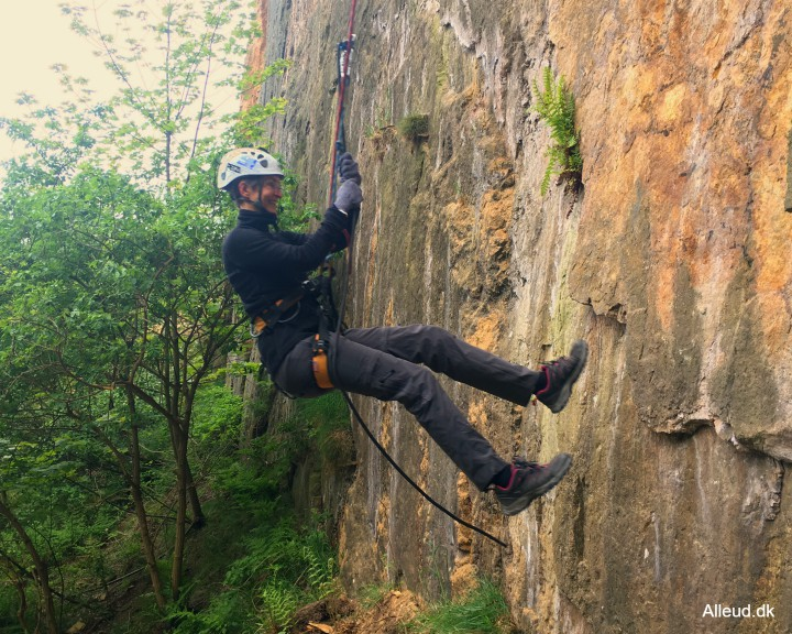 Bornholm rappelle rappelling familie opalsøen klatring klatre