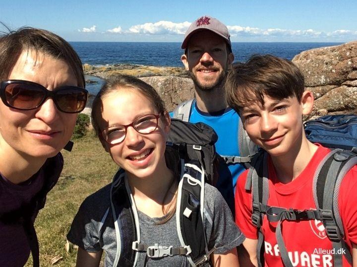 Familie Børnefamilie vandring Bornholm Kyststien